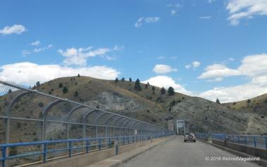 Crossing the narrow dam - Canon Ferry